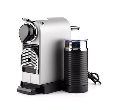 ماكينة نسبريسو صانعة قهوة وكابتشينو