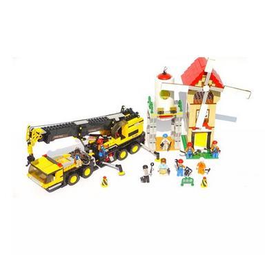 Sluban Town Construction Crane Truck (767 Pcs)