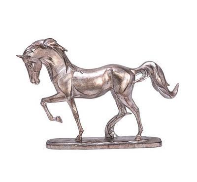 تمثال على شكل حصان من الراتنج
