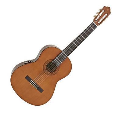ياماها كلاسيك جيتار خشبي