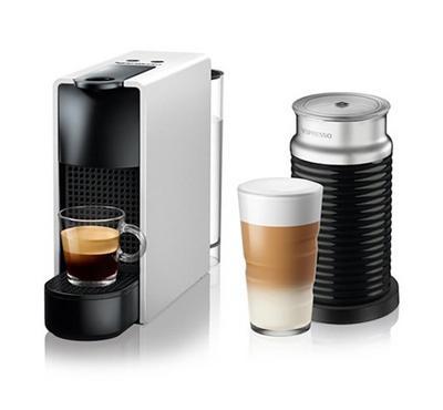 نسبرسو إيسينزا ميني، ماكينة صنع قهوة مع صانع رغوة الحليب، فضي